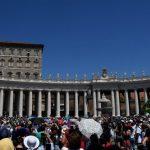 Popiežius: mylėkime kaip Marija, tarnaukime kaip Morta