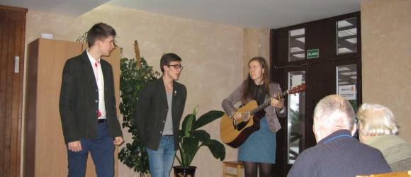 Koncertas-Skuodo-globos-namuose